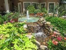 Fountain and landscaping  - manor home - Ormond Beach Florida