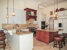 Gourmet kitchen with island - manor home - Ormond Beach Florida